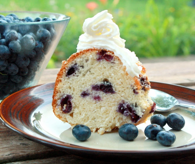Blueberry Sour Cream Cake (Recipe from Manila Spoon)