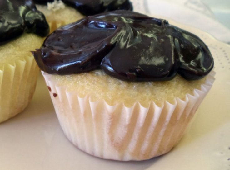 Boston Cream Cupcakes | Pam's board | Pinterest