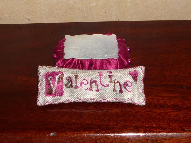 primitive valentine pillows