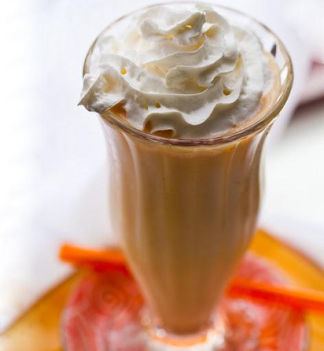 Bananas 'n Peaches 'n Cream Shake. Vegan Treat. - Healthy. Happy. Lif...