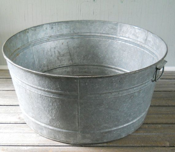 vintage galvanized wash tub large round. Black Bedroom Furniture Sets. Home Design Ideas