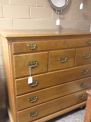 Best Willett Furniture Solid Maple Dresser With 7 Drawers All 400 x 300