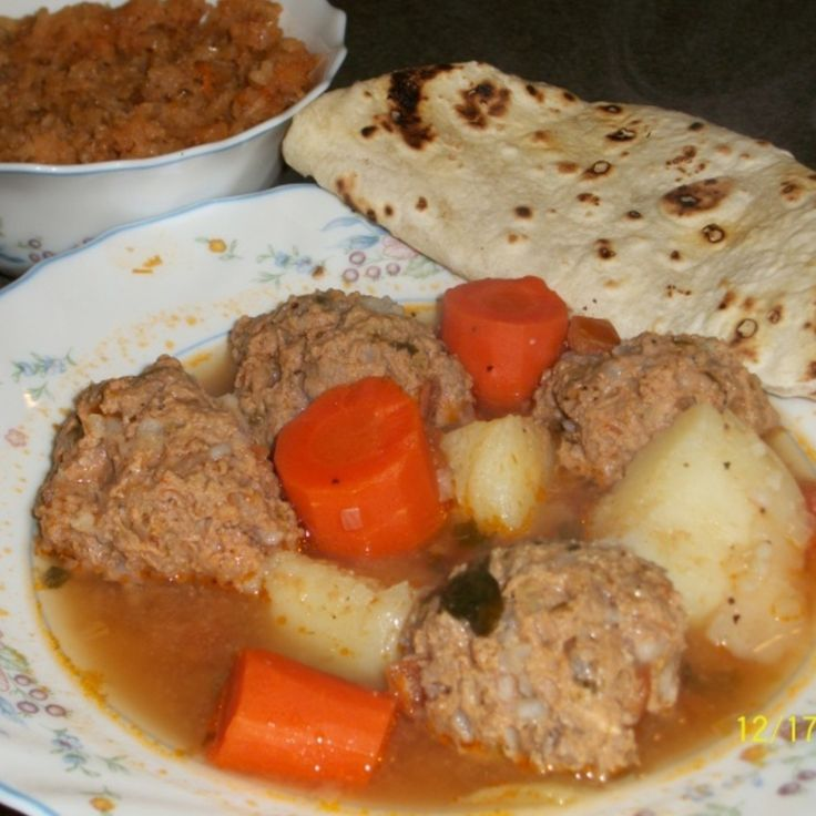 ALBONDIGAS (MEXICAN MEATBALL SOUP) This recipe was given to me by an ...