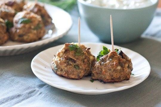 Mediterranean Turkey Meatballs With Herbed Yogurt Sauce