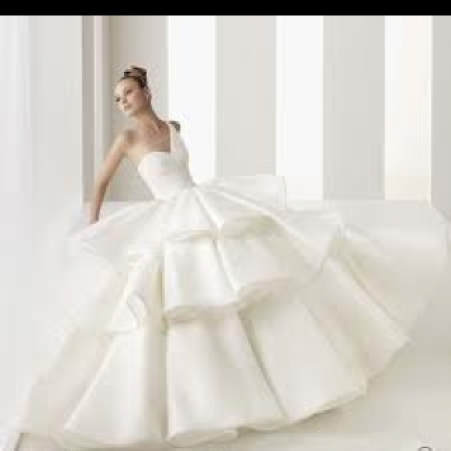 Really pretty wedding dresses pictures