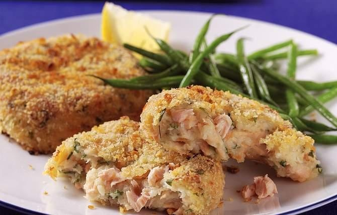Tasty Salmon Cakes - This was Grandma's ingenious way to stretch one ...