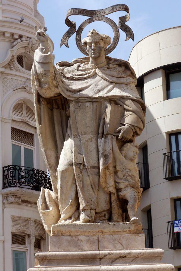 Spain, Valencia, statue | Valencia | Pinterest