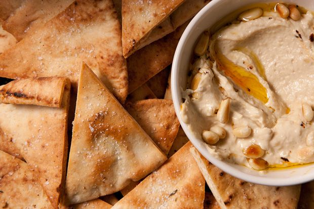 Baked pita chips to go w/ homemade hummus - which btw is way better ...