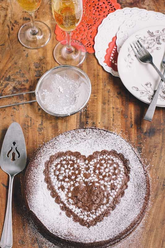 Valentines Day Flourless Chocolate Cake Recipe • theVintageMixer.com
