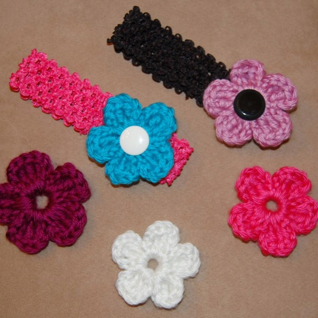 Crochet Hair Bows : Hair Bows