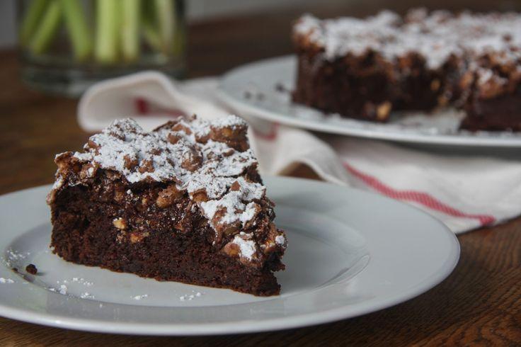 Chocolate & Hazelnut Meringue Cake | The Bite Sized Baker