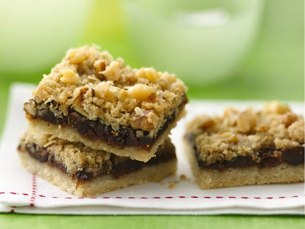 Fig Bars topped with nuts and oats.