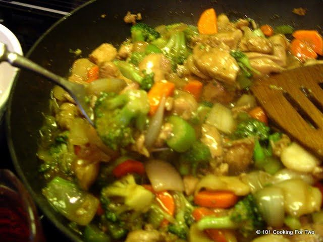 Recipes for Two: Easy Chicken Stir Fry *** made this the other day ...