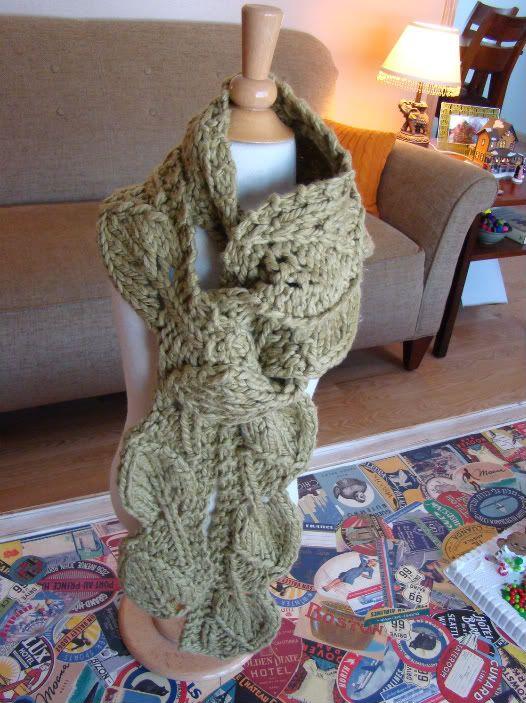 Leaf Knitting Pattern Scarf : Leaf Scarf Knitting Pinterest