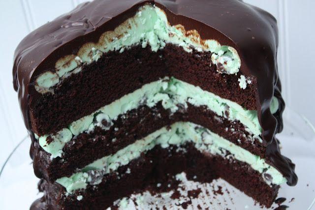 Mint Chocolate Chip Sundae Cake