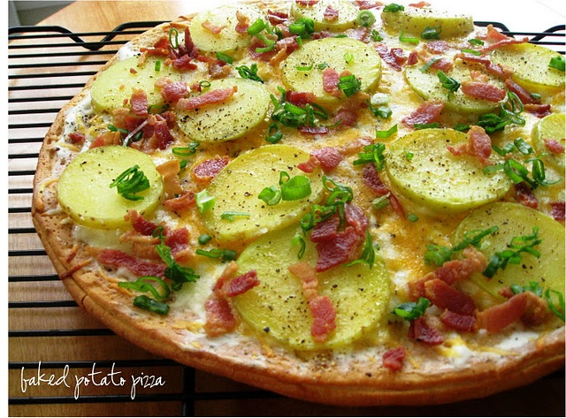 baked potato pizza | Goals to Make | Pinterest