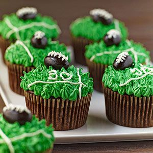 ... too cute cupcakes. Perfect for any tailgate or game-viewing party