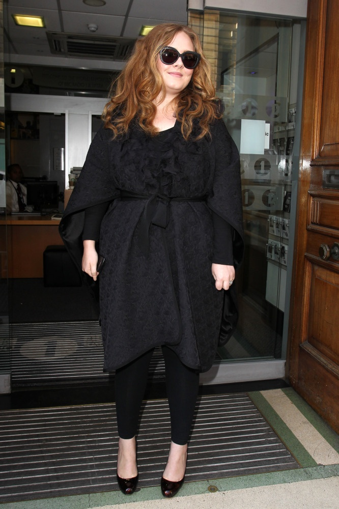 How pretty is Adele's hair in this photo?