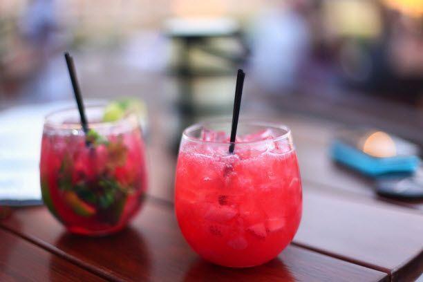 #Valentine's Day Cocktails (http://blog.hgtv.com/design/2014/01/31/happy-hour-happens-love-stinks-so-lets-drink/?soc=pinterest)