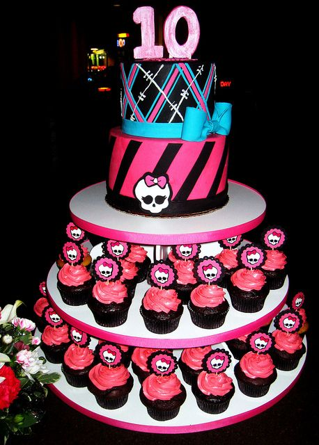 monster high cakes - Google Search