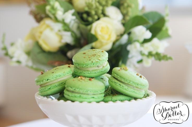 Pistachio Macarons | Desserts / Macrons | Pinterest