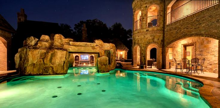 Luxury home magazine dallas ft worth luxury homes for Castle gardens pool