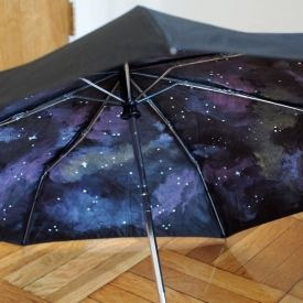 http://www.pinkstripeysocks.com/2013/06/paint-your-own-galaxy-umbrella.html