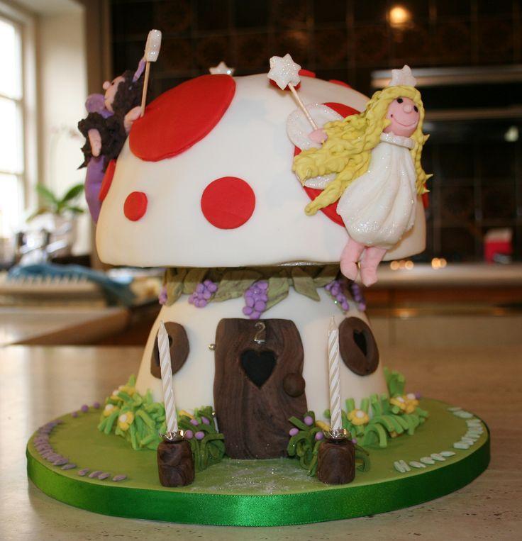 Little girls birthday cake  birthday cakes!  Pinterest