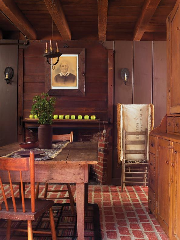 Saltbox house interior - House interior