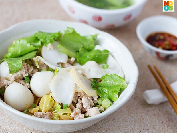 Fish Ball Minced Pork Noodles Recipe (Mee Pok Tah)