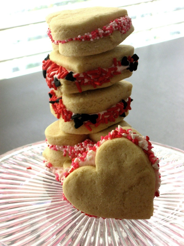 sweetheart cookie sandwiches | To Love (Valentine's Day) | Pinterest