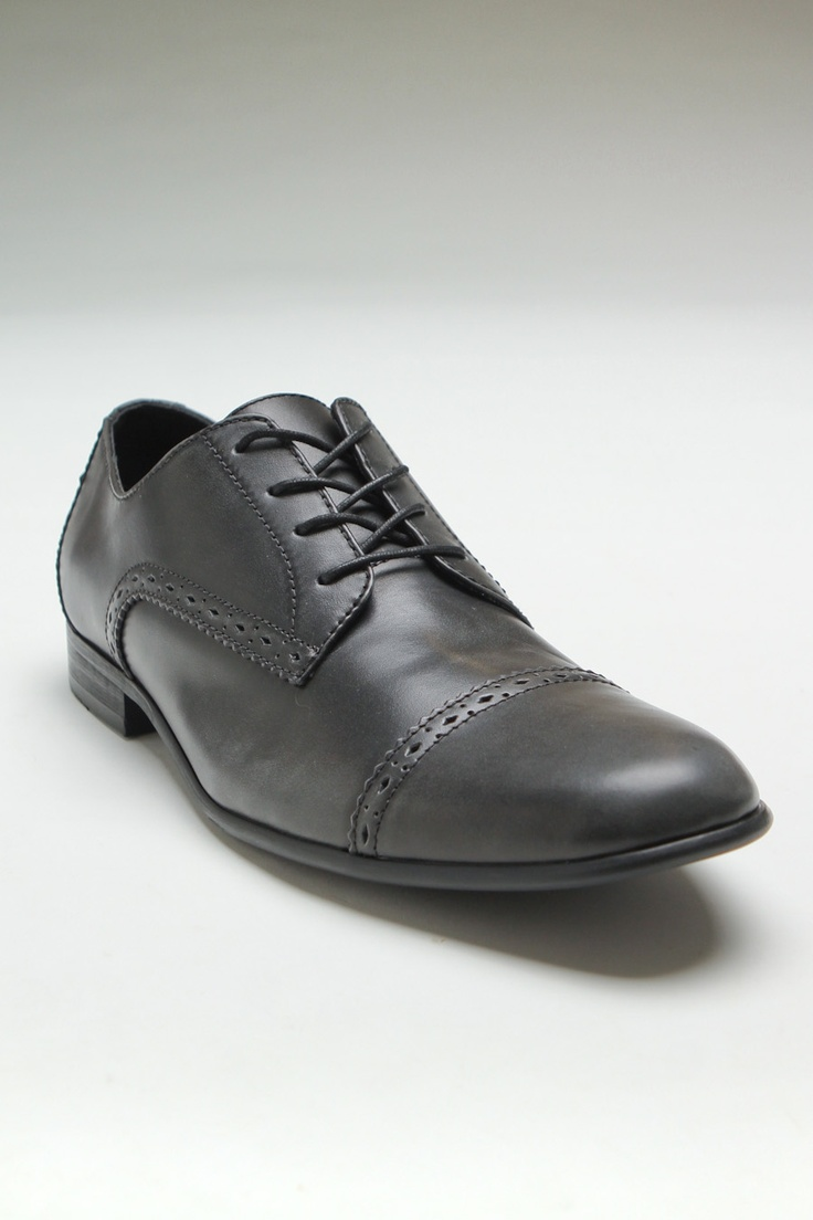 penguin footwear cap shoe black
