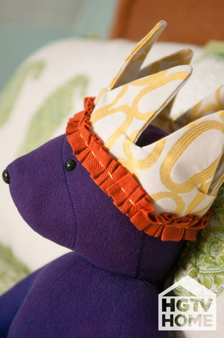 Made + Remade's @Hannah Mestel B. created this fun fabric crown, a great children's gift. #12DaysOfHGTVHOME