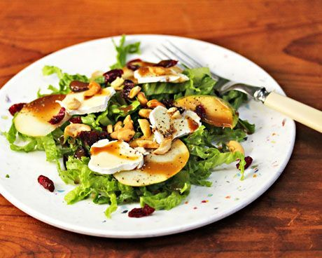 Recipe for pear and brie salad with cashews and dried cranberries {The ...