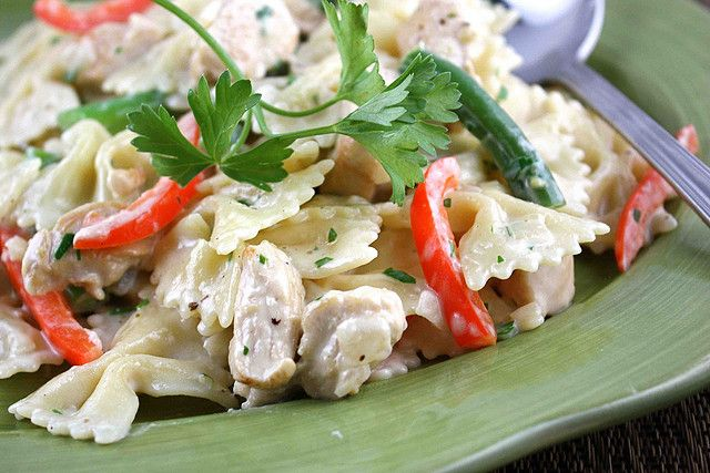 Pasta in a Lemon Cream Sauce with Chicken, Green Beans & Red Pepper ...