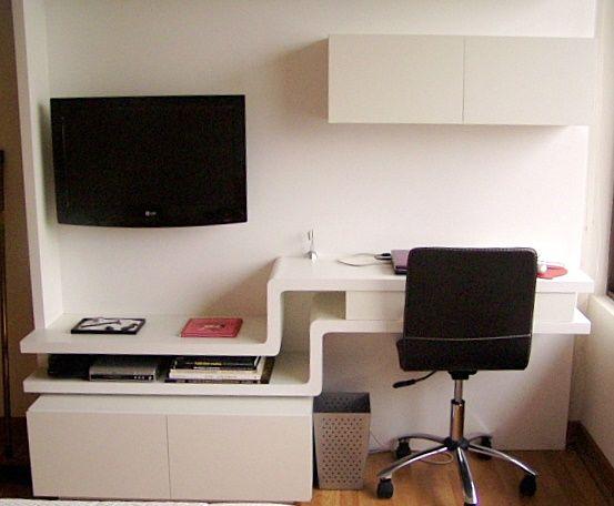 Sistema de muebles para escritorio y TV. Escritorio con curva y contra curva....