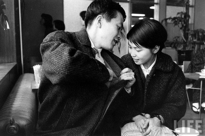 old school dating - LIFE - Japanese love story