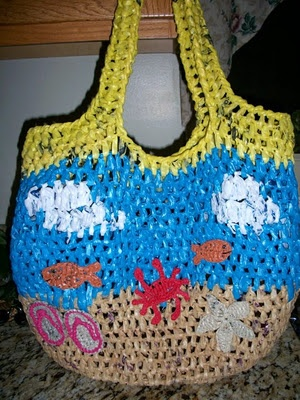 Crochet Plarn Tote Bag Pattern : Upcycled Plarn Grocery Tote Pattern
