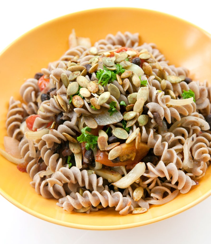 Flax Rice Spiral Pasta with Black Beans & Spicy Pumpkin Seeds #recipe