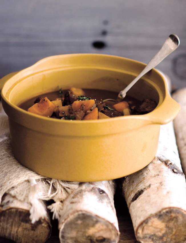 red wine beef stew | RECIPE-SOUP AND SANDWICHES | Pinterest