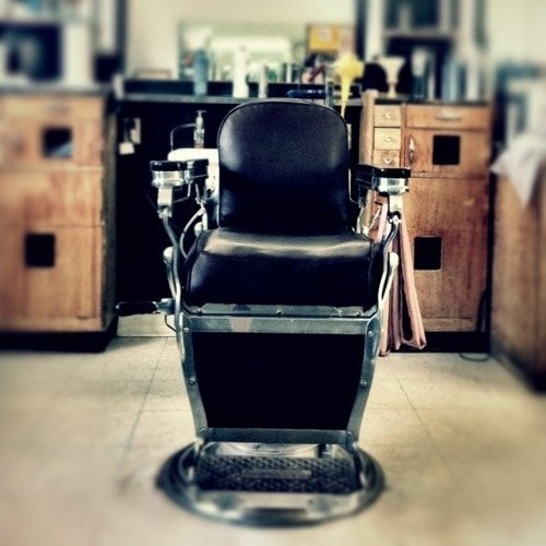 Barber Shop Henderson : Awesome Barber Chair!! Barber Shop Pinterest