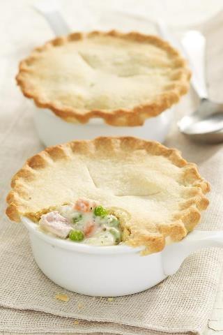 Individual chicken pot pie | Treats and Recipes | Pinterest