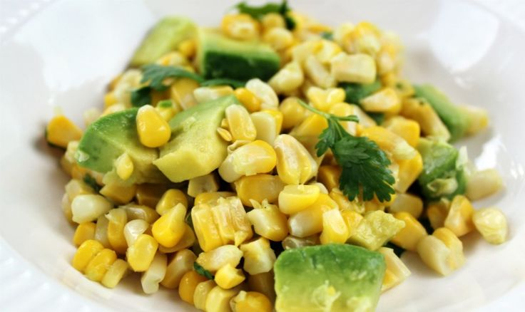 Corn, avo, & cilantro salad | the foodie & drinker in me | Pinterest