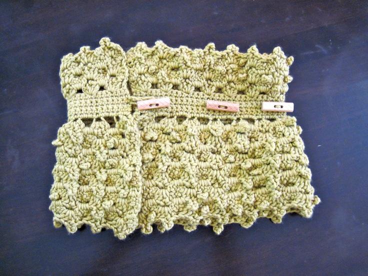 adjustable neck warmer crochet PATTERN. via Etsy.