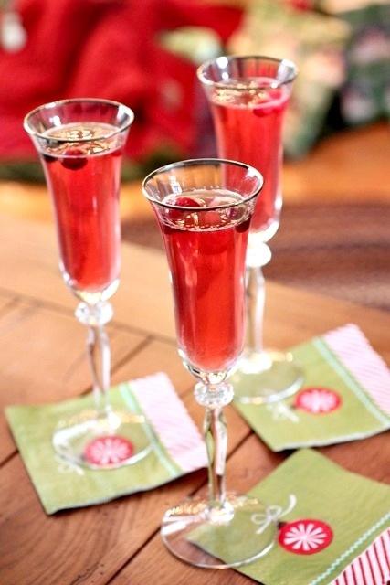 Sparkling Pepper Berry Cocktails | Beverages, Alcoholic | Pinterest
