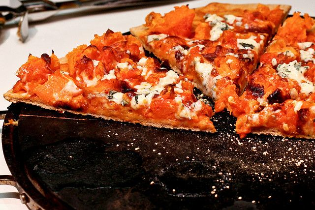 Buffalo Sweet Potato & Blue Cheese Pizza | Yummy | Pinterest