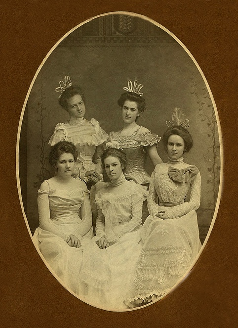 +~+~ Antique Photograph ~+~+ Beautiful girls and gowns all ready for the ball.  1899 Newark, Ohio.
