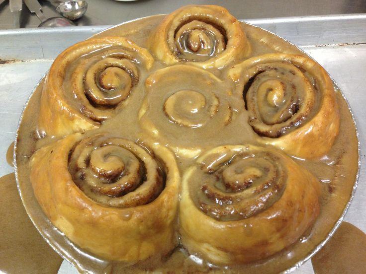 cinnamon buns ooey gooey cinnamon buns cinnamon rolls maple glazed
