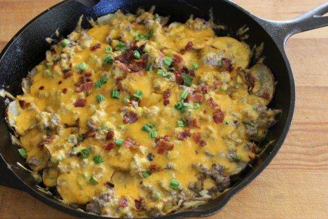Venison & Potato cheesy skillett bake | Dinner Recipes | Pinterest