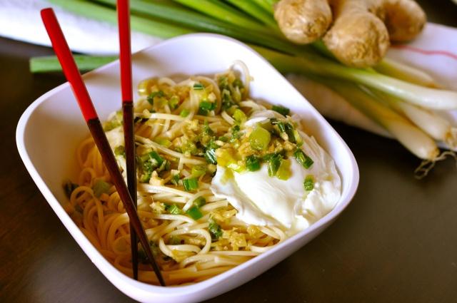 ginger scallion noodles | Y U M M Y! | Pinterest